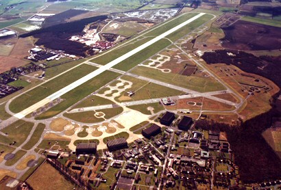 Aero Doncaster: Finningley strip from the Air